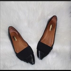 💕NEW LISTING Pointed black leather Halogen flats
